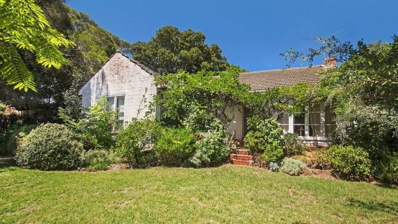 2 Point Avenue sold for $720,000 above reserve at auction this weekend.