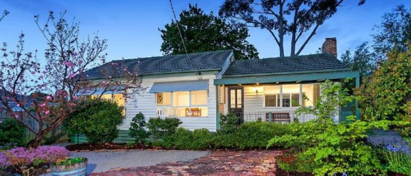 Melbourne median house price hits $770,000 following 'strong' December quarter: REIV